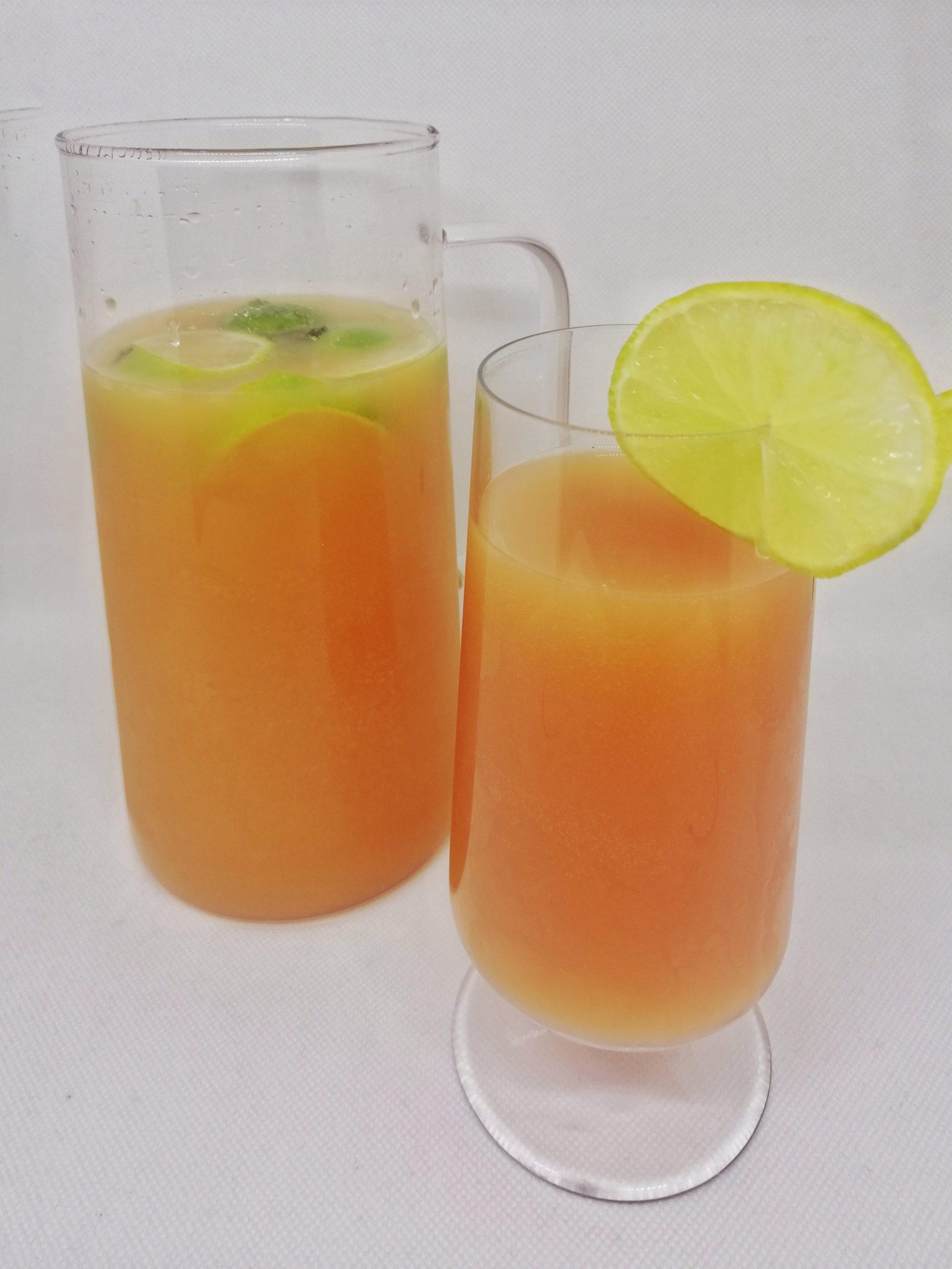 Cocktail sans alcool fraise orange